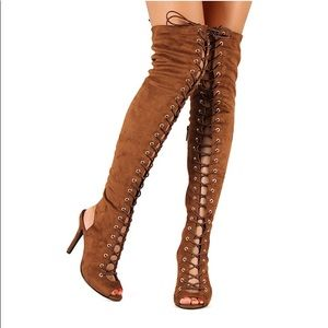 Breckelles Randi-23 Suede Lace Up Thigh High Boot